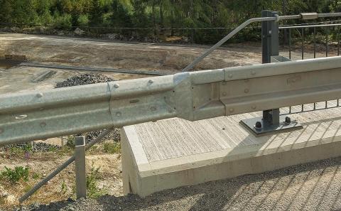 Navázání svodidla ZMS4-1/H2 na silniční svodidla