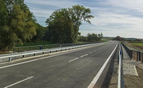 Most č.16-006 se svodidly MS4-1/H2