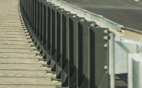 Svodidlo MS4-1/H2 na mostě č.16-006