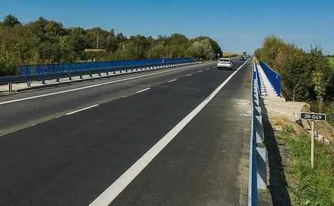 Most č.38-049 se svodidlem MS4-1/H2