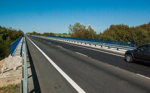 Most č.38-050 se svodidlem MS4-1/H2