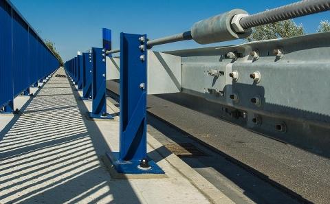 Dilatační prvek svodidla MS4-1/H2 na mostě 38-050