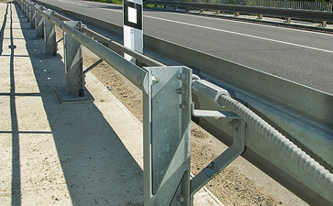 Svodidla MS4/H2 na mostě 152-050