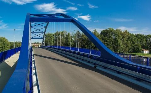 Mostní konstrukce se svodidly ZMS4-1/H2