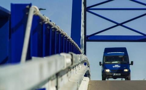 Detail svodidla ZMS4-1/H2 na mostě