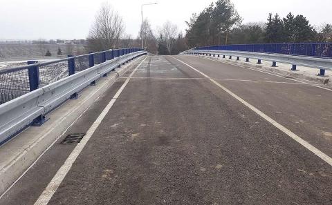 Svodidla OMO na mostě přes D46 u Olšan u Prostějova