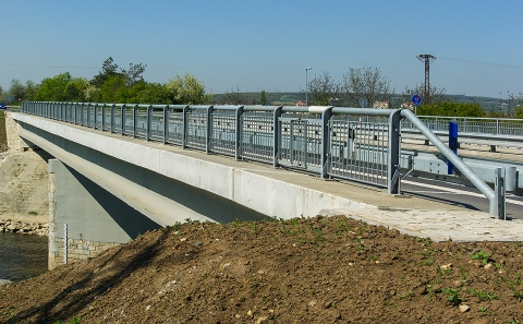 Svodidla ZMS4/H2 na mostě 152-051