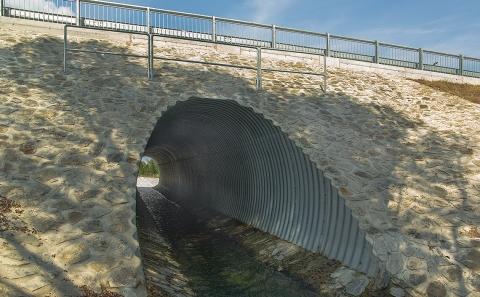 Svodidlo ZMS4/H2 na mostě přes Říčku