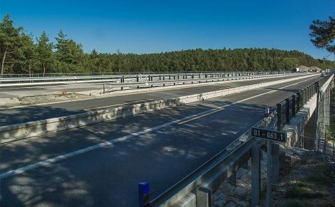 Celkový pohled na mostovku mostu č.D1-063