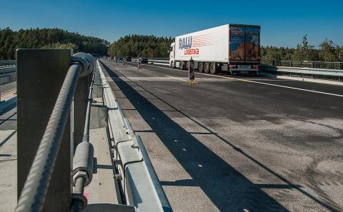 Část mostu č.D1-063 ve směru na Prahu